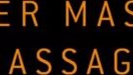 Русая красотка наслаждается обалденным эротическим массажем
