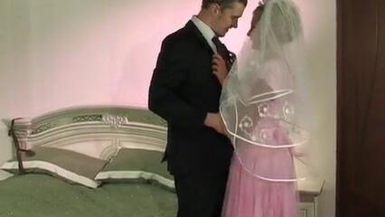Невеста изменяет мужу с дружком