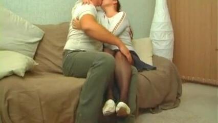 Зрелая парочка втянула молодую служанку в свои развратные сексуальные игры